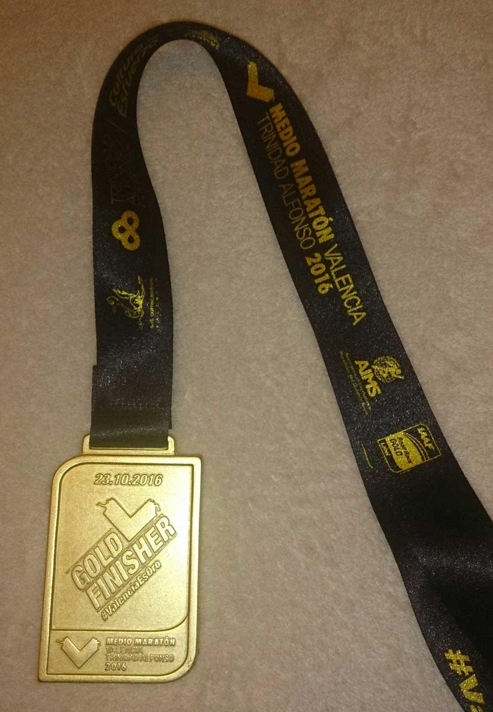 media-maraton-valencia-2016-medalla